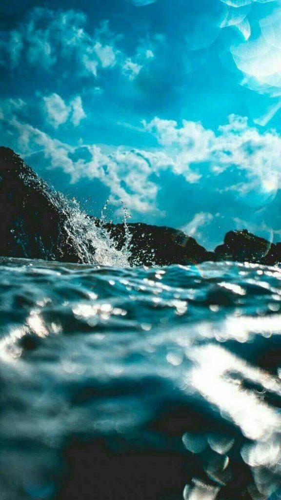 پس زمینه امواج دریا