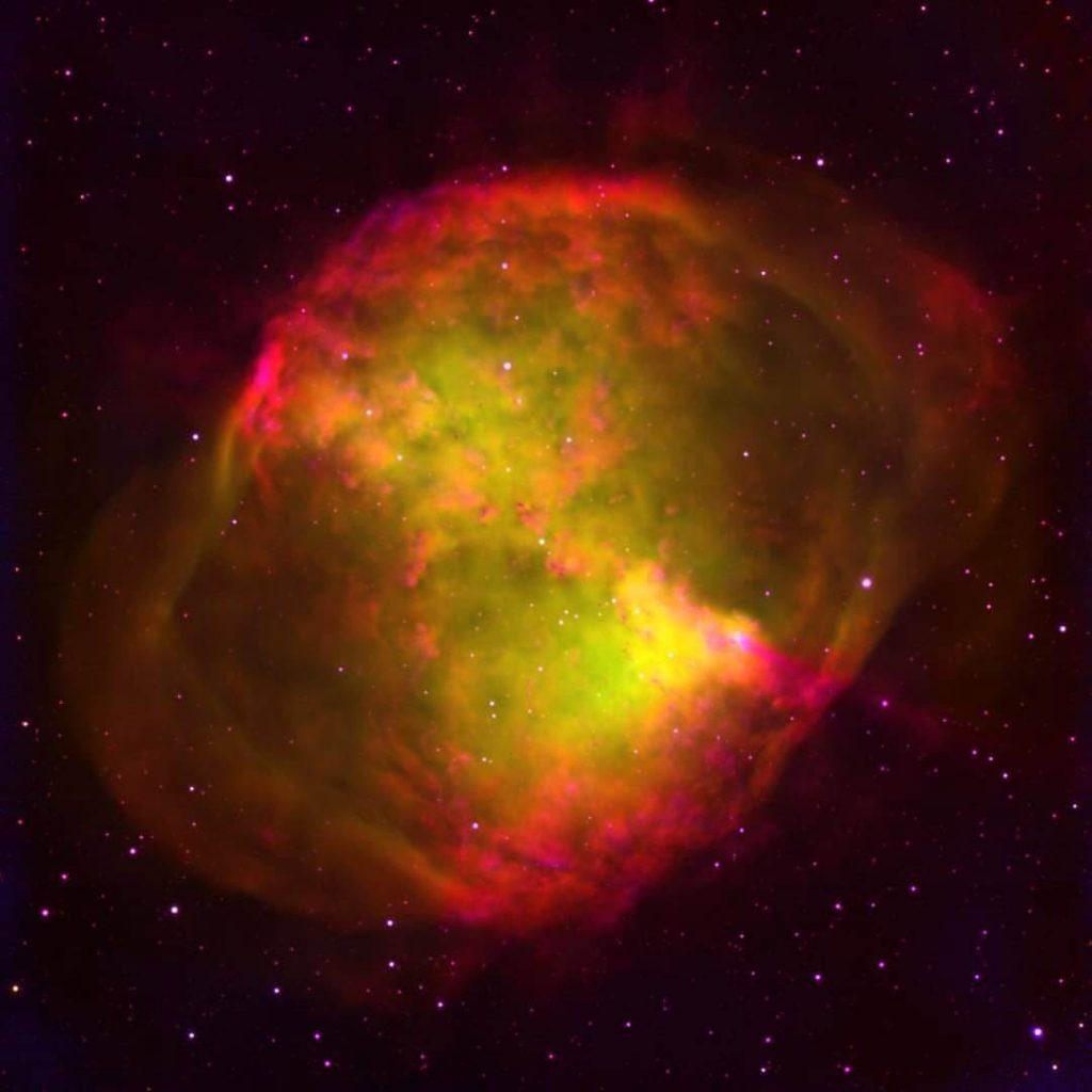 سحابی زیبا و دیدنی هسته سیب