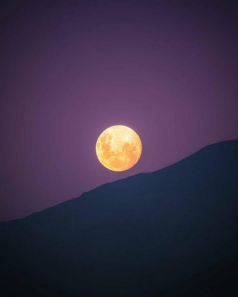 تصویر بسیار زیبای ماه